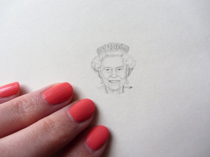 pencil drawing of the queen